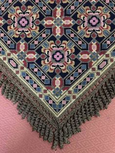 Punch Needle Patterns, Counted Cross Stitch Patterns, Cross Stitch Embroidery, Bohemian Rug, Diy And Crafts, Rugs, Crossstitch, Dots, Embroidery