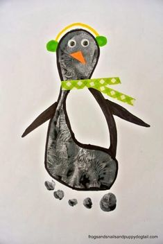 Penguin Footprint Art by FSPDT * fun winter craft for the kids by kathy Kids Crafts, Daycare Crafts, Craft Activities For Kids, Christmas Crafts For Kids, Baby Crafts, Toddler Crafts, Preschool Crafts, Holiday Crafts, Arts And Crafts