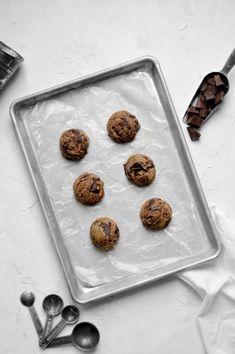 Vegan Tahini Dark Chocolate Chunk Cookies