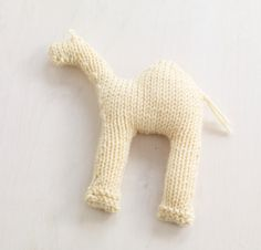 Image of Sweet Sandy Camel - free KNITTING pattern - Maybe I could do it fast on the loom - with extra humps and self striping yarn? Knitting Yarn, Free Knitting, Baby Knitting, Knitting Patterns, Crochet Gifts, Crochet Toys, Crochet Baby Mobiles, Knitted Animals, Lion Brand Yarn