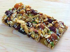 Homemade Trio or KIND bars. Trio bars have seeds and brown rice syrup and KIND bars omit seeds and use honey (but you can easily sub the honey for syrup in a KIND bar to make vegan) Healthy Bars, Healthy Treats, Healthy Cooking, Healthy Habits, Snack Recipes, Cooking Recipes, Healthy Recipes, Healthy Muesli Bar Recipe, Protein Bar Recipes