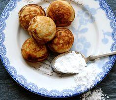 æbleskiver med kærnemælk fra Julie Karla (recipe in Danish for æbleskiver with buttermilk)