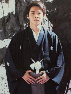 "Kento Yamazaki. ""Winning""- New year resolution in 2015, #2 The TelevisionCH, 2015"
