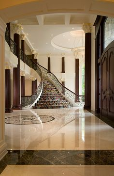 35 Grand Staircase Inspiration - Space for staircase is decided based on the whole size of the house. Yes, tiling the staircase is a remarkable method to give them a great appearance. by Joey Grand Staircase, Staircase Design, Grand Foyer, Foyer Decorating, Interior Decorating, Home Interior Design, Interior Architecture, Stairs Architecture, House Entrance