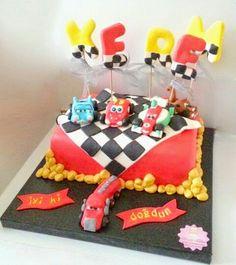 Şimşek McQueen ve Arkadaşları Pasta. Renkli Tatlar Butik Pasta. İletişim : 0533 668 86 80.