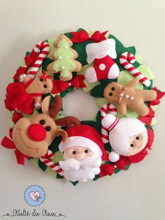 Christmas Makes, Christmas Diy, Christmas Wreaths, Felt Christmas Decorations, Felt Christmas Ornaments, Felt Crafts, Christmas Crafts, Christmas Stocking Pattern, Handmade Felt
