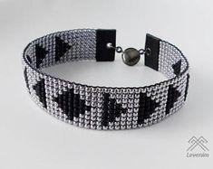 Mens bracelet - Beaded bracelet - Loom beaded bracelet Loom Bracelet Patterns, Bead Loom Bracelets, Bead Loom Patterns, Bracelets For Men, Beading Patterns, Collar Indio, Beaded Jewelry, Unique Jewelry, Loom Beading