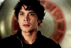 Bellamy (Bob Morley) reminds me so much of my character Ashton Keller it's eerie! #GiltHollow #YAbook