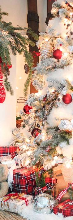 Christmas Yule Time Trees Colorful Tree Lot Holiday Handcrafted Valance Home, Furniture & DIY