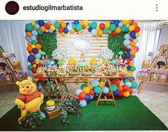 Festa em comemoração aos 2 anos do Bernardo, com tema Ursinho Pooh 😍🐝🍯 Decoração por @viroumania_ . . . #ursinhopooh #dinofiapo #viroumania… Winnie The Pooh Themes, Winnie The Pooh Cake, Winne The Pooh, Winnie The Pooh Birthday, Baby Boy First Birthday, Winnie Phoo, Pooh Baby, 1st Birthday Party Themes, Safari Party