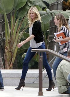 Cameron Diaz in Bad Teacher- love the outfit!