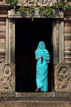 https://www.tumblr.com/search/blue sarees
