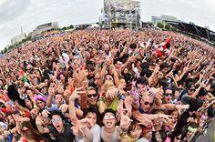 日本中のダンスミュージックファンを熱狂させた「ULTRA JAPAN(ウルトラ ジャパン)」が再びお台場で開催されることが決定。2015年度は、9月19日、20日、21日の3日間に規模を拡大し、1年目...