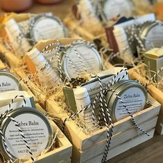 413 Likes, 9 Comments - Salt & Shea Farmers Market Display, Market Displays, Luna Kitchen, Boutique Store Displays, Homemade Gift Baskets, Doterra Wellness Advocate, Market Stands, Vendor Booth, Soap Display