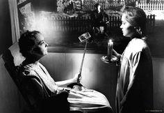 Les flingues remplacés par des selfie-sticks dans des scènes cultes : La Nuit du Chasseur