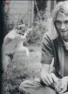 Kurt Cobain with kitten