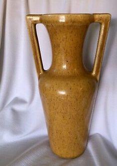 Rare Royal Haeger Double Buttress Handles Mustard Yellow Vase Midcentury Deco | eBay Yellow Vase, Vintage Pottery, Art Deco Fashion, Mustard Yellow, My Ebay, Mid Century, Style, Vintage Ceramic, Swag
