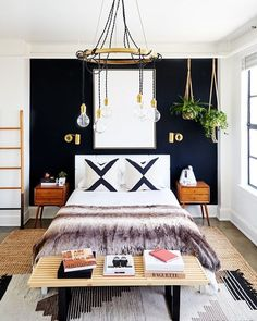 33 Epic Navy Blue Bedroom Design Ideas to Inspire You Navy blue is a highly sophisticated color that would fit a bedroom? Cast a glance over our navy blue bedroom ideas and convince yourself of its epicness! Glam Bedroom, Home Decor Bedroom, Bedroom Setup, Bedroom Modern, Trendy Bedroom, Bedroom Lamps, Bedroom Chandeliers, Layered Rugs Bedroom, Modern Entryway