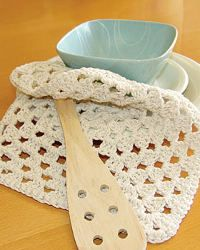 Add charm to your kitchen with dishcloths! Make your very own using these free crochet dishcloth patterns. Use it as an accent piece in your kitchen and/or dining room!  Dishcloths are not just used for cleaning anymore, they are used as decor.  Liven up your counter tops, racks, or walls with unique crochet dishcloths made by you!  Give them as gifts and reward someone else with your creativity.