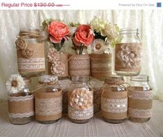3 DAY SALE 10x rustic burlap and lace covered mason jar vases wedding decoration, bridal  shower, engagement,  anniversary party decor on Etsy,  $110.50 Of je maakt ze gewoon zelf.