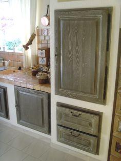 Rénovation peinture de meubles à Marseille (13) : Relook Meubles Decoration, Armoire, Furniture, Home Decor, White Kitchens, Painted Furniture, Future House, Marseille, Paint