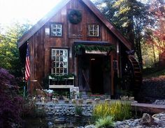 Pumpkin Hollow Albany Oregon | Holiday Boutiques and more : Albany is home to a number of hidden-gem ...
