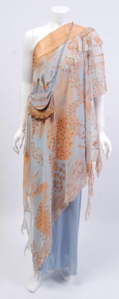 Zandra Rhodes Peach and Blue Silk Gown Punk Fashion, Retro Fashion, Vintage Fashion, Vintage Style, Beautiful Outfits, Cool Outfits, Zandra Rhodes, Designer Evening Dresses, Silk Gown