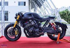 RocketGarage Cafe Racer: Honda CB400