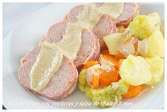 Pan de carne con verduras y salsa de champiñones.