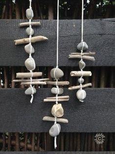 DIY: 20 ideas for embedding pebbles in your deco! - Artists - DIY: 20 ideas for embedding pebbles in your deco! Informations About DIY: 20 Ideen zum Einbetten von - Beach Crafts, Diy And Crafts, Crafts For Kids, Arts And Crafts, Decor Crafts, Decor Diy, Summer Crafts, Room Decor, Upcycled Crafts