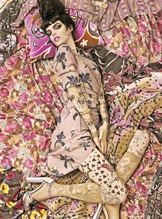 Magazine: Vogue Italia, December 2007  Editorial: 'Vogue Patterns'  Models: Lara Stone, Hanne-Gaby Odiele , Kinga, Marina, Magdalena  Photographer: Steven Meisel