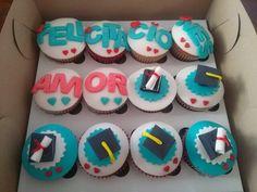 Grados #fiestagrados #cupcakes #tortaspersonalizadas