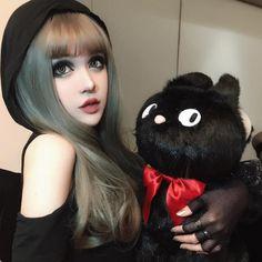 Кина Шен: новая китайская Барби выпустила косметику собственного бренда https://joinfo.ua/showbiz/1219559_Kina-Shen-novaya-kitayskaya-Barbi-vipustila.html