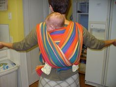 back carry with moby-style wrap, yay! This looks fairly simple been looking for a backpack carrier and now I can just use my moby! Moby Wrap Holds, Baby Wearing Wrap, Baby Carrying, Midwifery, Bitty Baby, Gentle Parenting, Baby Wraps, Baby Hacks, Cloth Diapers