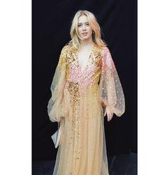 Noora Style, Noora And William, Noora Skam, Skam Isak, Isak & Even, Fashion Design Sketches, Prom Dresses, Formal Dresses, Marie Antoinette