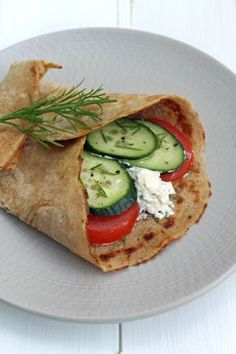 Buckwheat crepes / wraps - Woman World Cup Low Carb Recipes, Beef Recipes, Real Food Recipes, Vegan Recipes, Cooking Recipes, Grilling Recipes, Fish Recipes, Clean Eating Results, Buckwheat Crepes