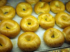 Homemade bagel recipe. Make great handrolled water bagels, it's as easy as baking a loaf of bread!