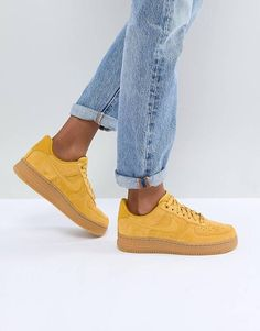 uk availability 40d85 55815 Nike Air Force 1 Mustard Suede Trainers With Gum Sole Sneakers Nike,  Sneakers Mode,