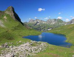 Die Rappensee-Hütte (2.085 m) oberhalb von Oberstdorf ist Ausgangs- bzw. Endpunkt des berühmten Heil... - F1online /Getty Images
