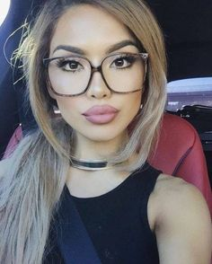 2020 Women Glasses Eyeglass Frames For Women Designer Glasses Online F – ffshoop Cute Glasses, Girls With Glasses, Blonde With Glasses, Oversized Glasses, Fashion Eye Glasses, Makeup With Glasses, Eyeglasses Frames For Women, Best Lipsticks, Wearing Glasses