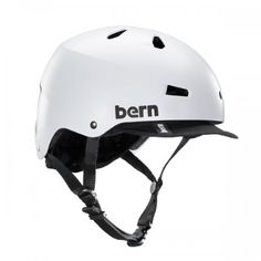 The Macon bike helmet takes skate style to your everday commute. Core clean lines and durable construction team up with a removable visor for protection against the sun and inclement weather. Bern's All Season™ liner system allows you to use the Macon on your snowboard, skis or bike.