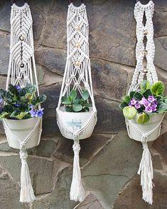 Подвесы для кашпо сделаны руками @d.a_decor из крученой веревки толщиной 3,5 мм (#веревка_3 ), которая есть у меня в продаже. Да, для… Макраме, Растения, Домашний Декор