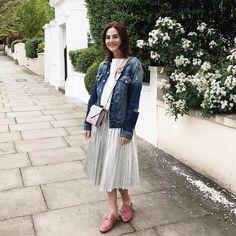 """7,589 curtidas, 171 comentários - Vic Ceridono - Dia de Beauté (@vicceridono) no Instagram: """"Bday outfit ✨✨✨✨ saia prateada, bolsa nova e jaqueta e sapatos xodós porque né, look aniversário é…"""""""