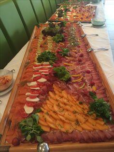 Hochzeitsbuffet Butcher Block Cutting Board, Kitchen, Inspiration, Gourmet, Cooking, Biblical Inspiration, Home Kitchens, Kitchens, Cucina