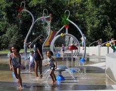 Free and Fun = Perfect.  Not too far from Gig Harbor in Tacoma are a handful of Sprayparks. I think the closest to GH is Titlow Park, just over the Tacoma Narrows Bridge.  This looks like so much fun!
