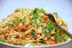 Hakket kylling med spidskål og ris (nem opskrift) - Madens Verden