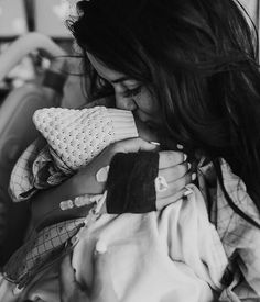 Just dreaming about that first day with her! I had no idea how much my world would be rocked in the absolute best way! Rooney babe, I love you more than life itself! ❤️ #emmylowephoto #rooneylowe #littleladylowe