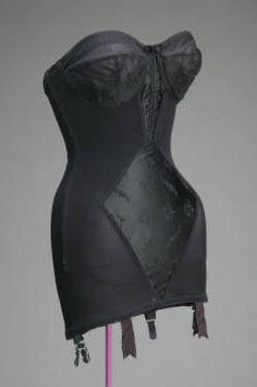 Vintage Girdle, Vintage Corset, Vintage Underwear, Vintage Fashion 1950s, Vintage Mode, Vintage Outfits, Vintage Dresses, Estilo Pin Up, Retro Lingerie