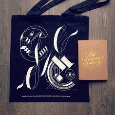Ya me han llegado unos proyectos que hice recientemente para @srysrawilson  La tote bag del @club_de_creativos en colaboración con @baimu_bcn y @rafagoicoechea y la libreta que hice para una clínica dental  #typography #print #totebag #type #lettering #notebook by wete1984