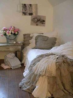 #bedding #linen #ruffles #luxe #farmhouse #french #country #bedroom #love #inspo